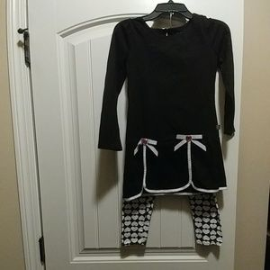 Black and white tunic outfit